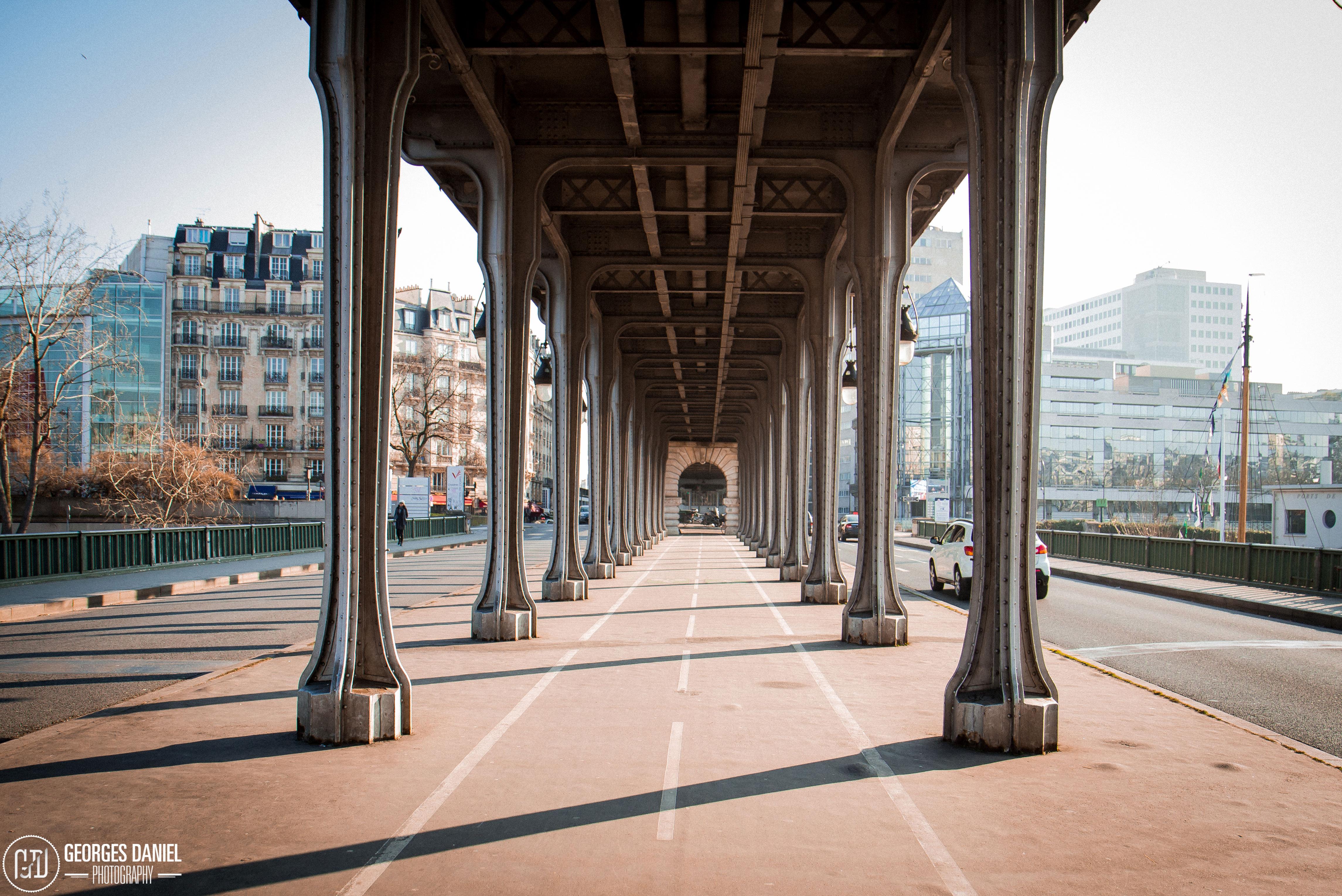 Pont Bir Hakeim à Paris