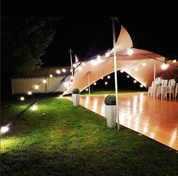 renon location sp cialiste des tentes de r ception. Black Bedroom Furniture Sets. Home Design Ideas